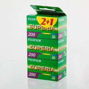 Fujifilm Superia iso 200 w cenie (39,95) trójpak + wywołanie negatywów + skan XL w rozdzielczości 3500x5200 pikseli